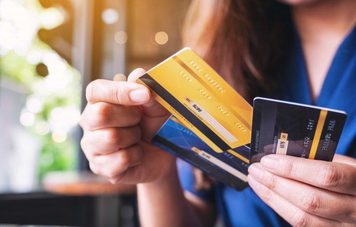 5 počitniških situacij, v katerih boste spoznali pravo vrednost kartic