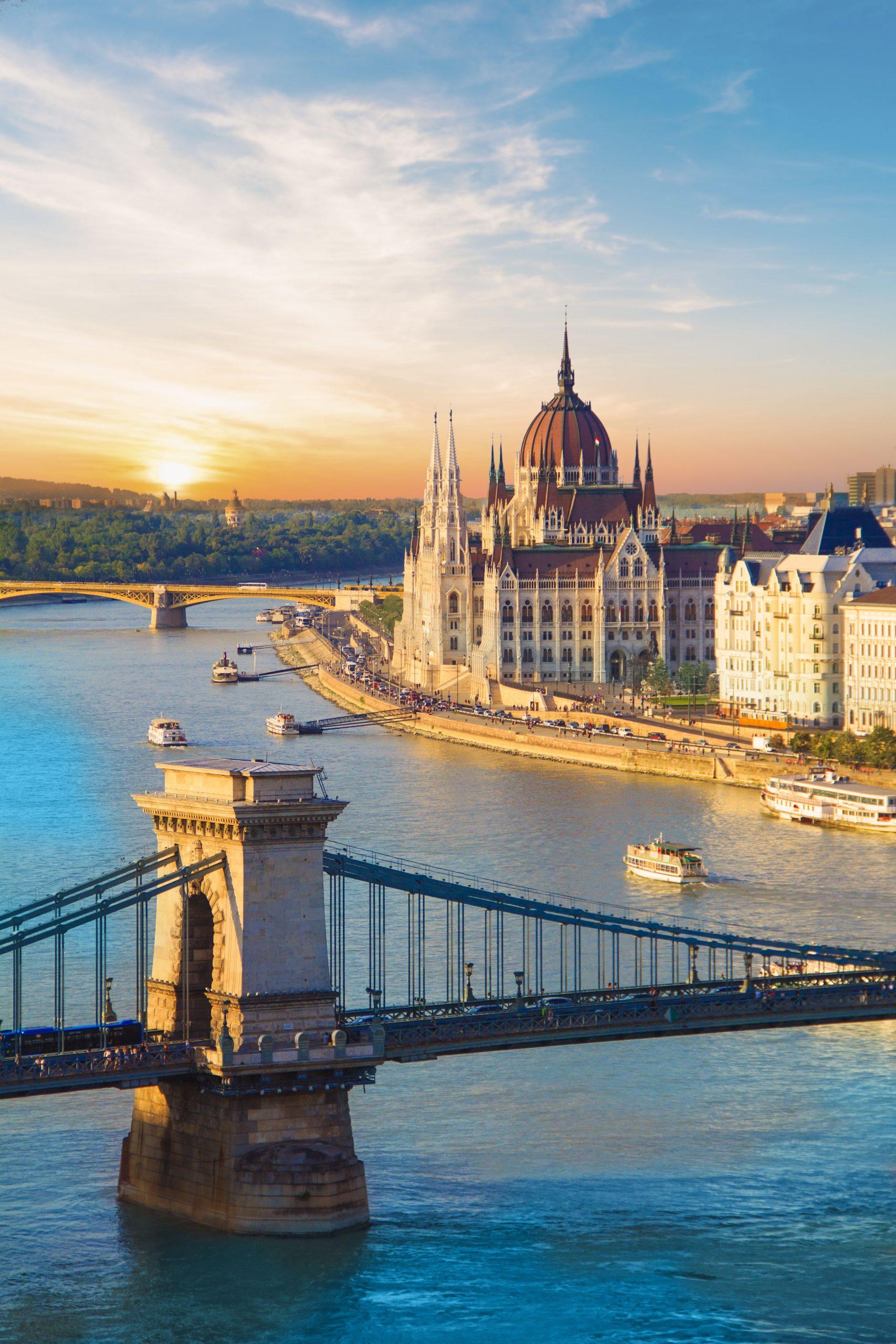 Modra Donava in njena mesta:  Dunaj–Bratislava– Budimpešta