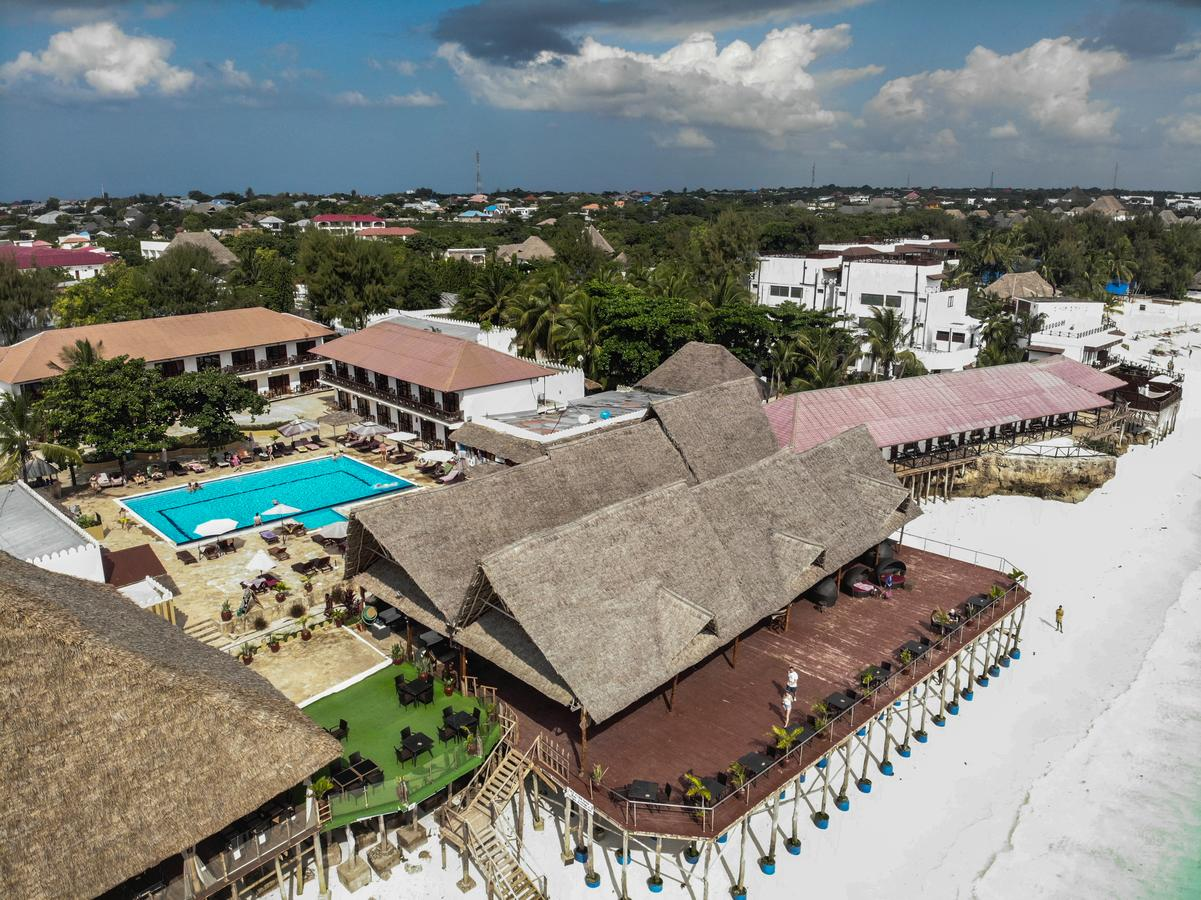 Hotel AMAAN BEACH BUNGALOW 3*, std 1/2 morska stran, NZ,  Zanzibar -  čarter iz Ljubljane