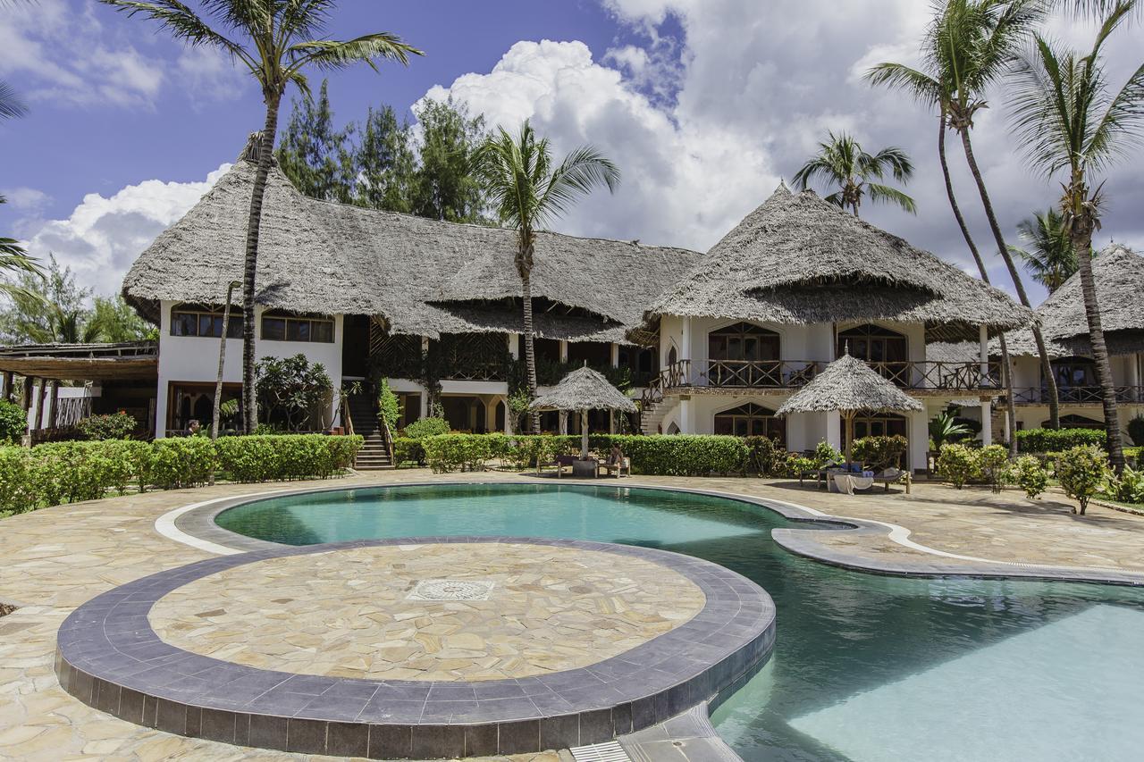 Hotel AHG WARIDI BEACH RESORT&SPA 4*, BGW 1/2 park, Light AI,  Zanzibar -  čarter iz Ljubljane