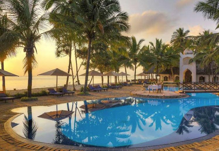 Hotel BLUEBAY BEACH RESORT & SPA 5* JUNIOR SUITA 1/2, POL -  Zanzibar -  čarter iz Ljubljane