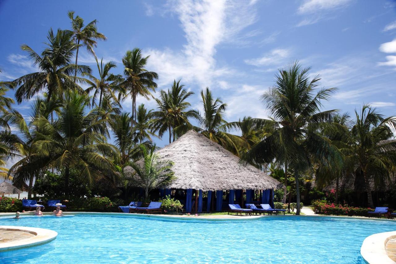 Hotel BREEZES BEACH CLUB & SPA 5*, SUITA 1/2 , POL  -  Zanzibar -  čarter iz Ljubljane