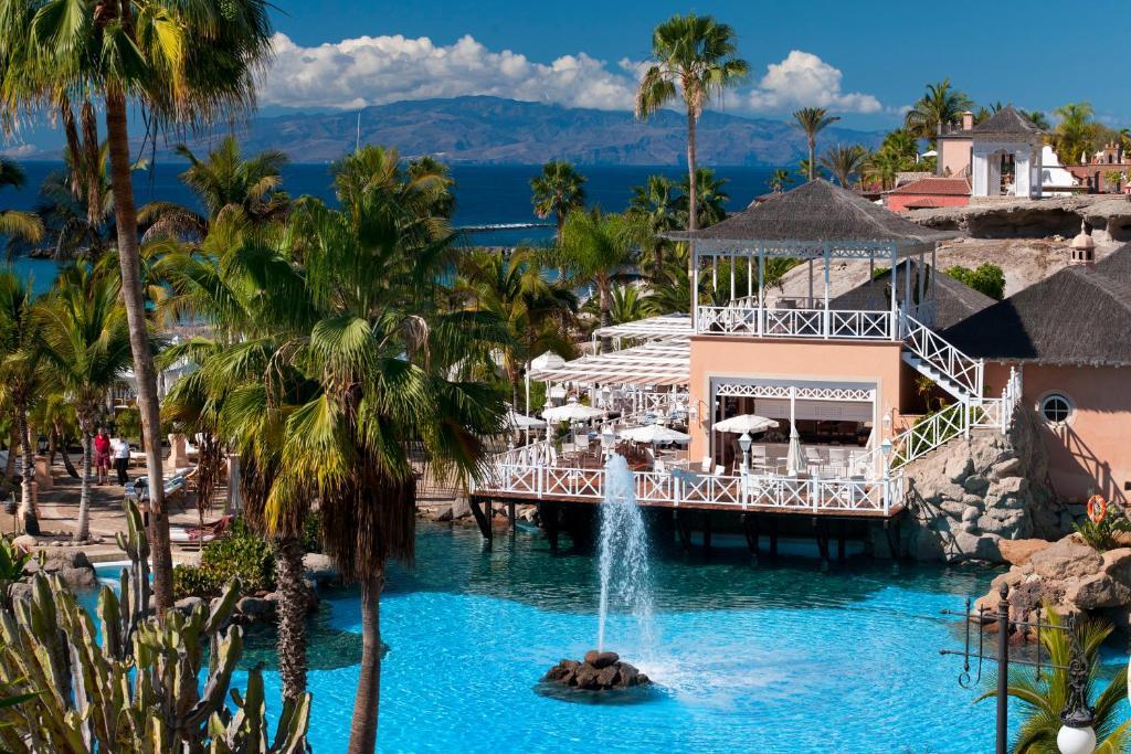 HOTEL BAHIA DEL DUQUE 5*, ONE BEDROOM SUIITA, NZ, TENERIFE 8 dni,  čarter iz Ljubljane