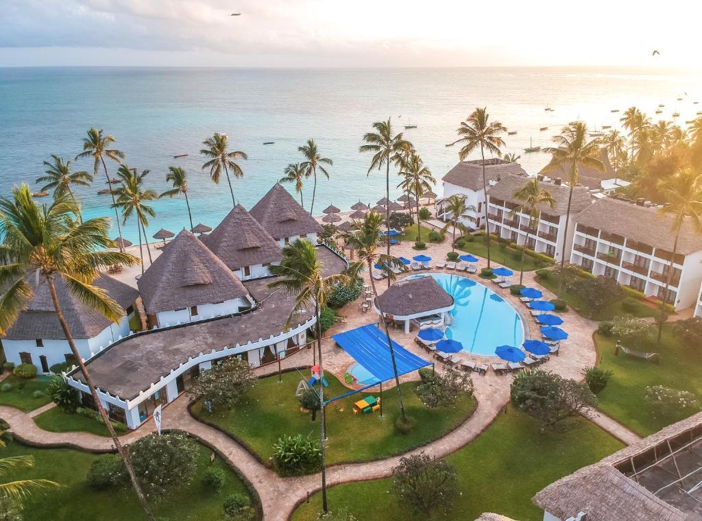 Hotel DOUBLETREE RESORT BY HILTON ZNZ 4* STD 1/2+1 bazen, POL -  Zanzibar 10 dni-  let iz Ljubljane