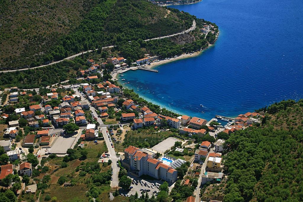 Dalmacija - Barvita in navdihujoča - Počitnice v Hotelu Quercus 4*, Drvenik