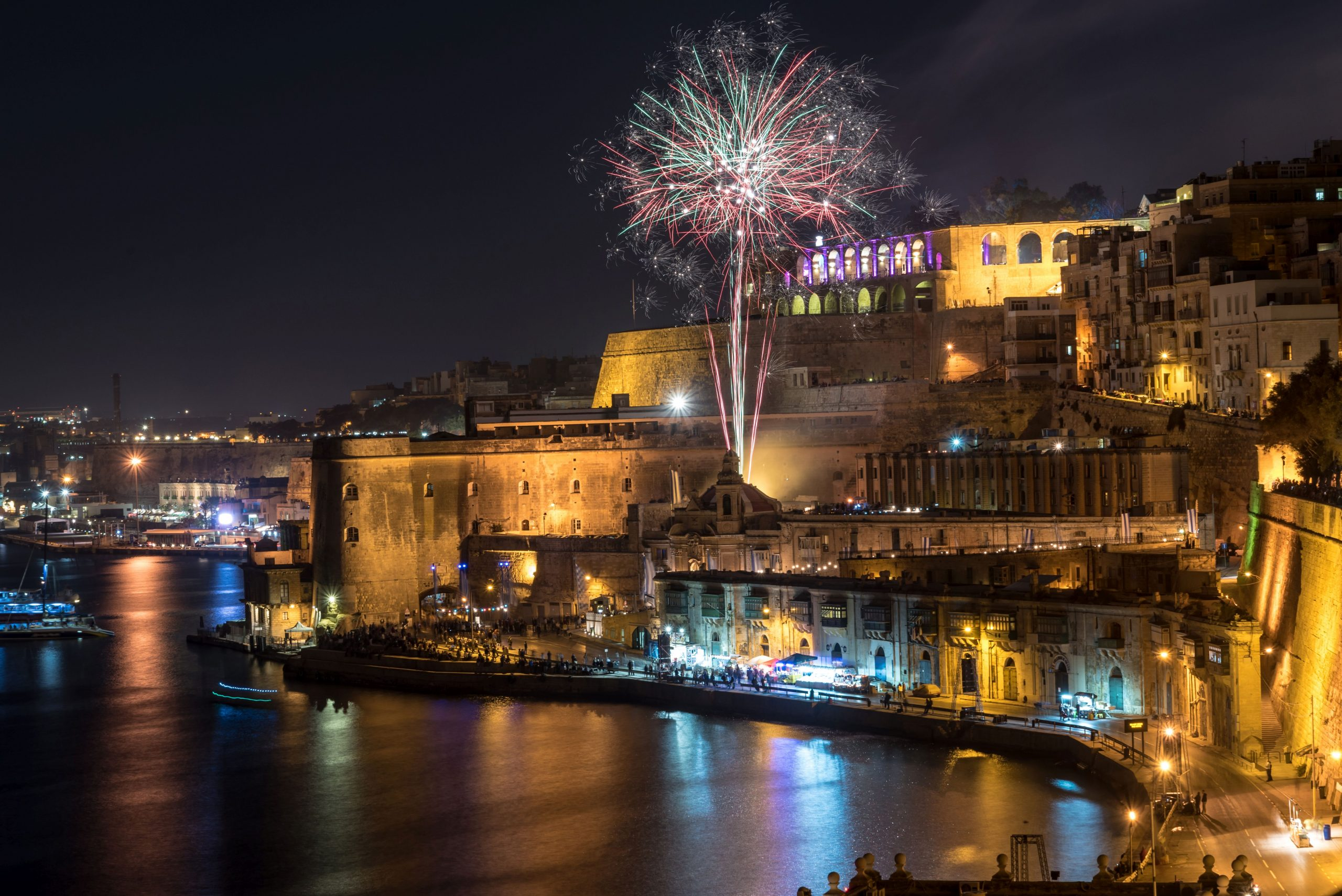HOTEL TOPAZ 3*, SOBA 1/2 STD, NOČITEV Z ZAJTRKOM, Novoletna Malta 6 dni - čarter iz Ljubljane